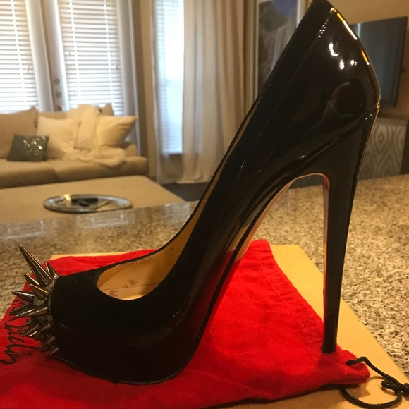 78589bce98a Christian Louboutin Asteroid Spike Toe Pump
